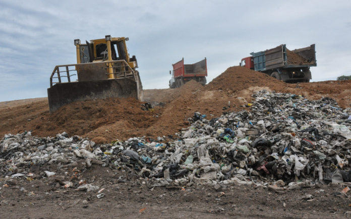 El Gobierno derogó el decreto que permitía importar basura