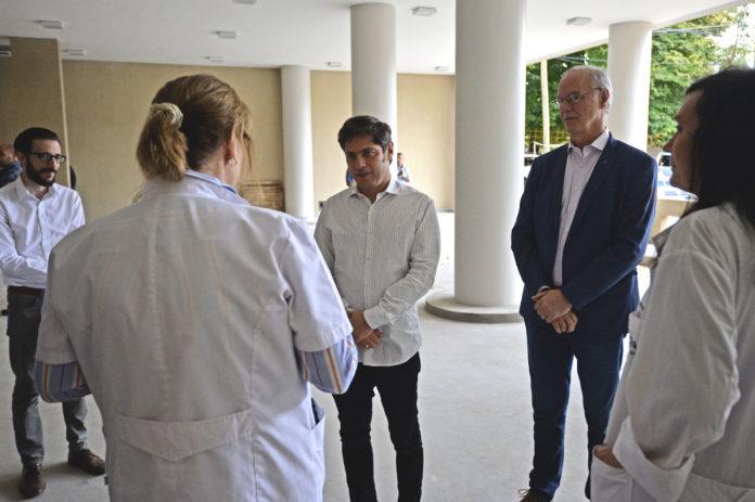 El gobernador Axel Kicillof recorrió las obras del hospital Rossi