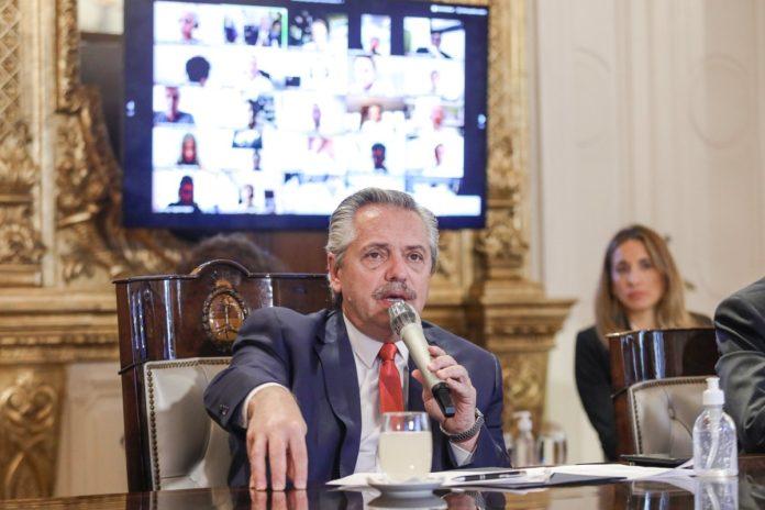 Alberto Fernández agradeció a camioneros y curas villeros