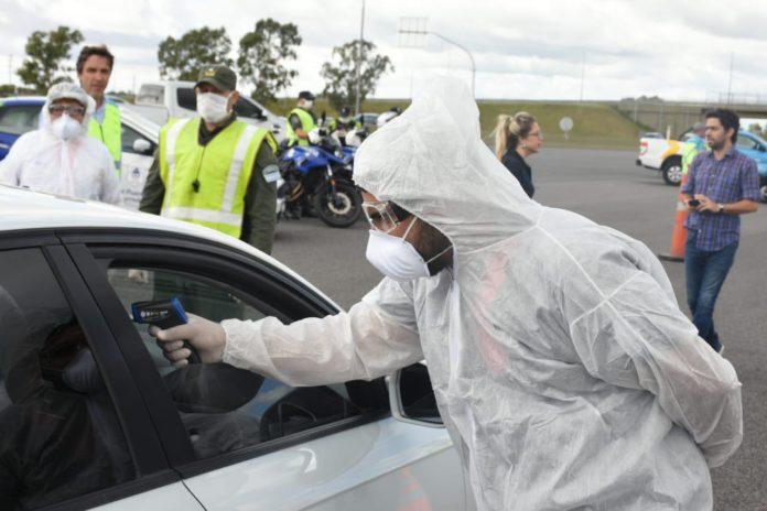 Controles en rutas: si detectan temperatura escoltan policía hasta aislamiento