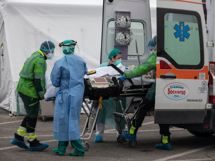 España: nuevo récord de muertos en un día eleva las víctimas fatales a 5.560