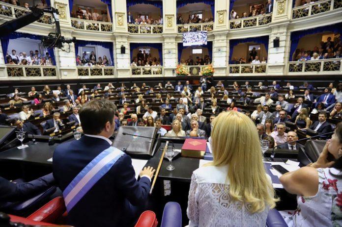 Herencia, primeros logros y futuro: lo que se espera del discurso de Kicillof