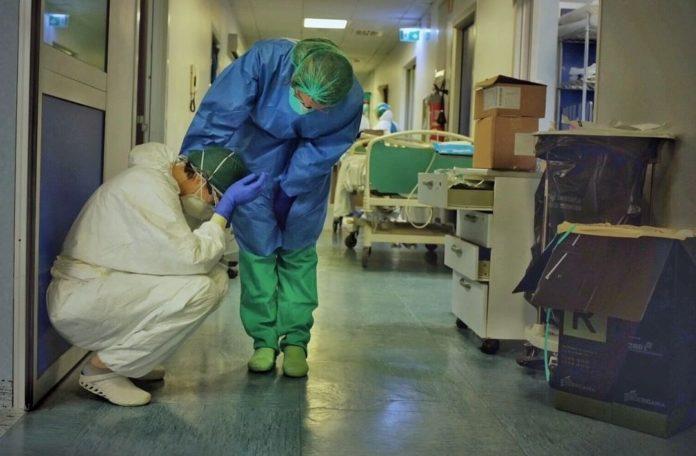 Italia: 793 nuevas muertes por coronavirus en un día.