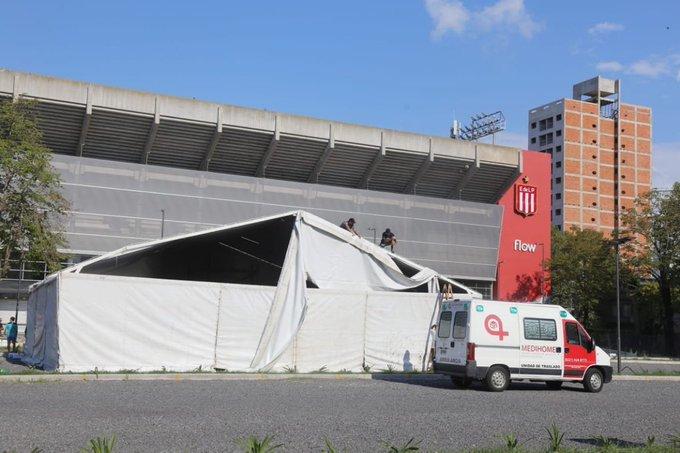 Coronavirus: instalan un centro de atención intermedia en el nuevo estadio de Estudiantes