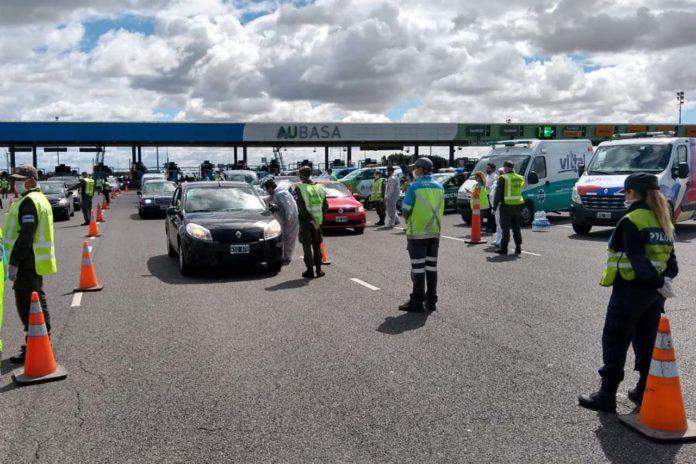 Tránsito en cuarentena: autopista Buenos Aires-La Plata y ruta 2 casi vacías