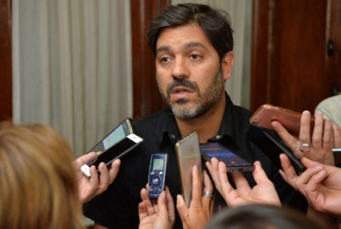 """Trabajadores de Provincia: """"Los sueldos no corren peligro"""", dijo Bianco"""