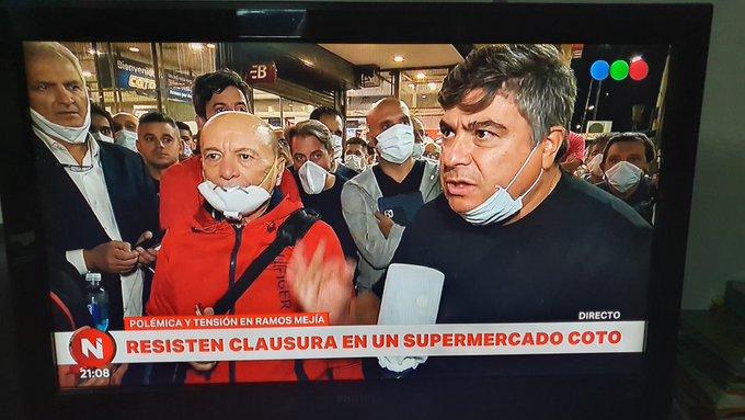 Alfredo Coto encabezó una inédita protesta por el cierre de una sucursal