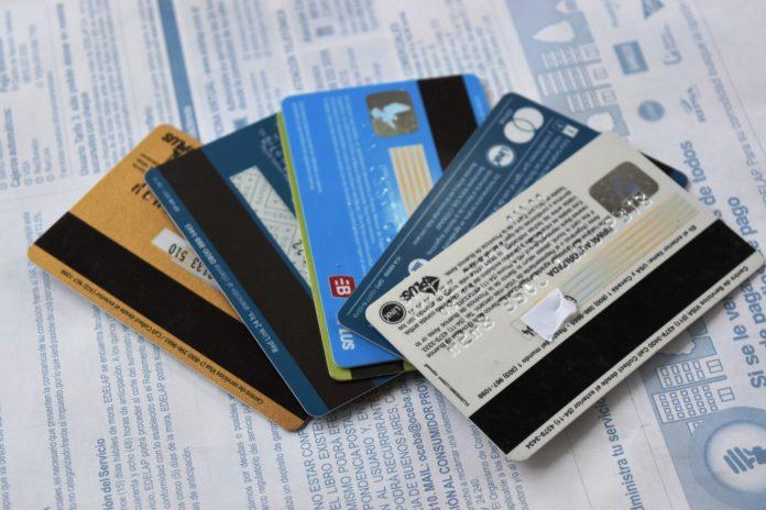 Se posterga el cobro de las tarjetas de crédito