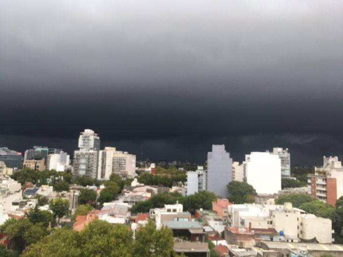 Fuertes lluvias afectan a la zona capital y a otras partes de la provincia