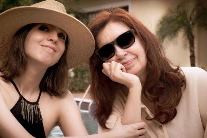 Florencia Kirchner y su madre, la vicepresidenta Cristina Fernández