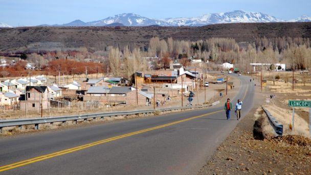 Cierran totalmente Loncopue, el pequeño pueblo donde una fiesta disparó contagios