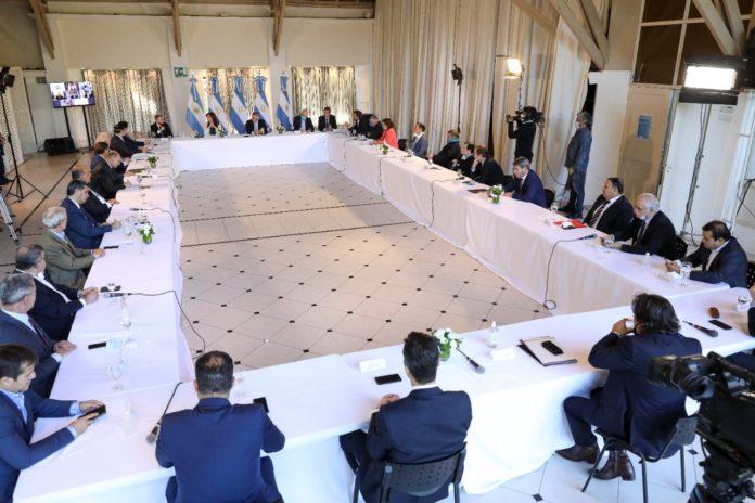 Deuda: Argentina propuso una fuerte quita y un período de gracia de 3 años
