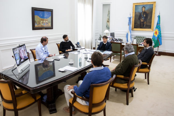 """Ayuda económica y """"cuarentena administrada"""", ejes de la reunión de Kicillof con intendentes de JxC"""