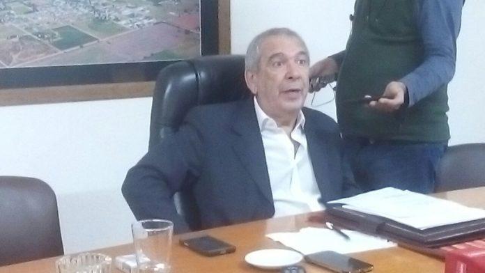 """Puede fallar: intendente bonaerense pidió a los vecinos usar """"taparrabos"""""""
