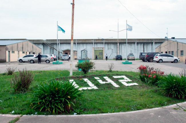 Motín en la cárcel de Varela: al preso muerto lo atacaron con balas de plomo