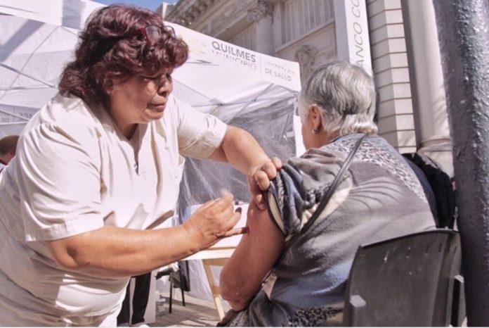 Municipios realizaron una campaña de vacunación en las filas de jubilados
