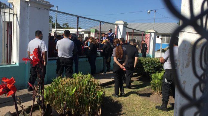 Tensión en un penal: internos de Romero se subieron al techo y piden excarcelaciones