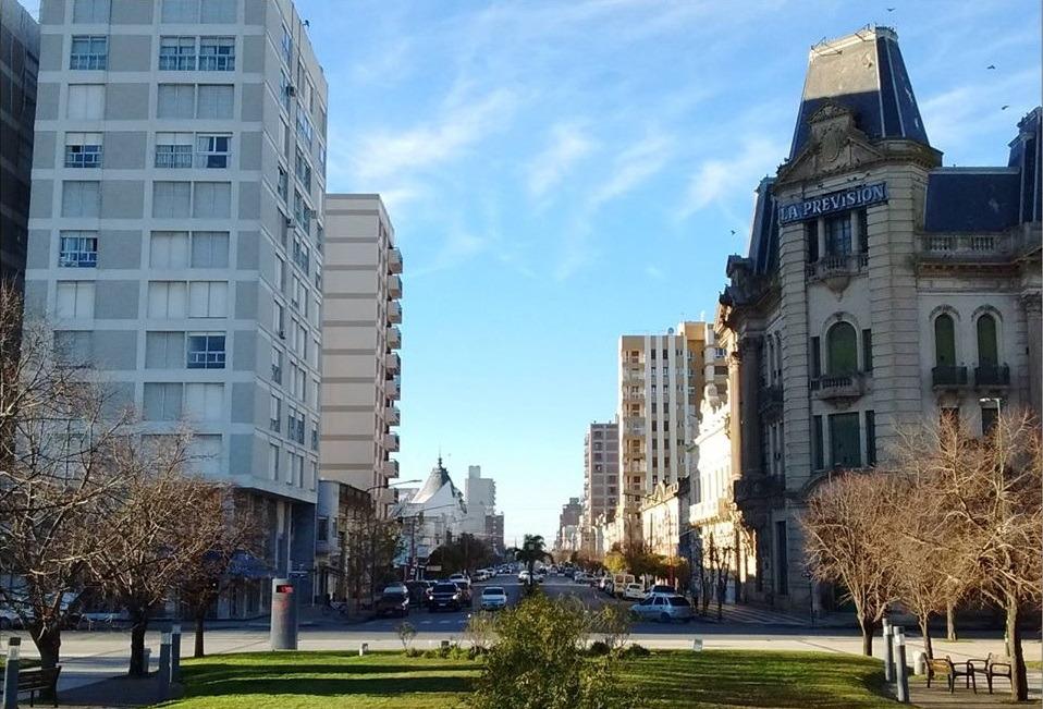 Las calles de Tres Arroyos, entre el pasado y el presente.