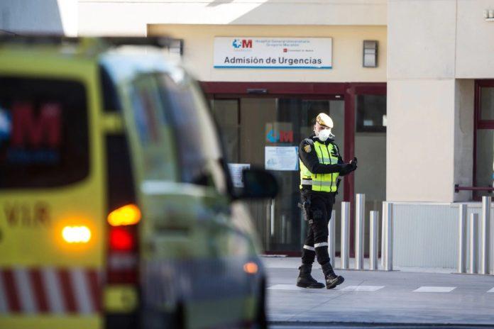 Este sábado se registraron 809 nuevos fallecidos, la cifra diaria más baja de la última semana en España.