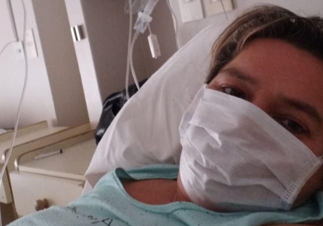 Caso extraño: está infectada y trabaja en un asilo, pero no contagió a nadie