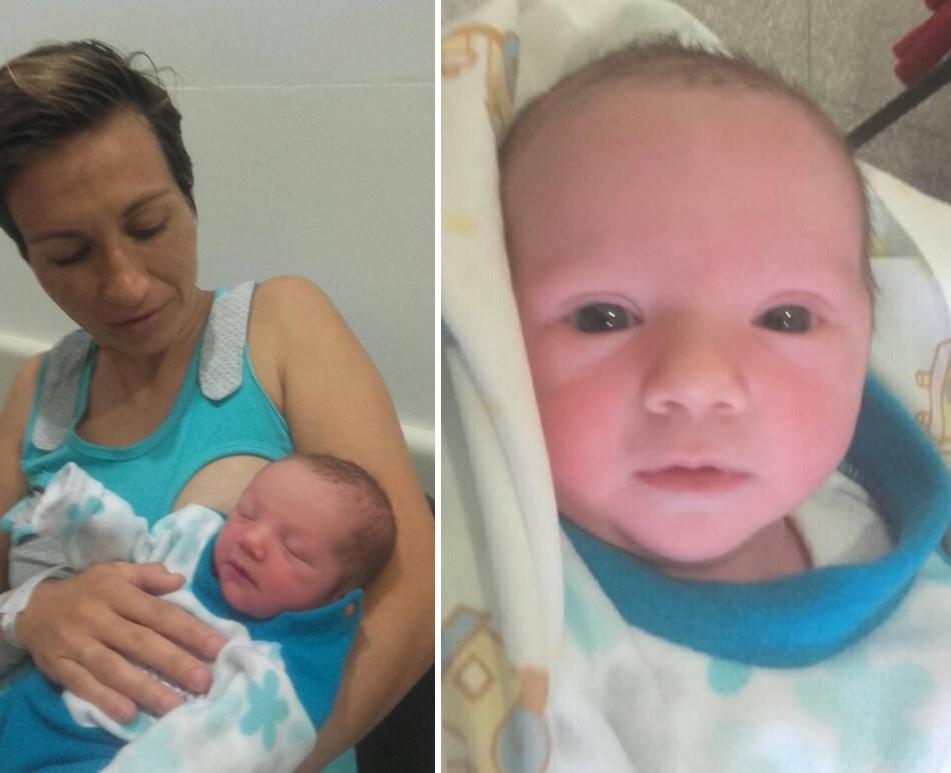 Ciro Covid Sequeira con su mamá.