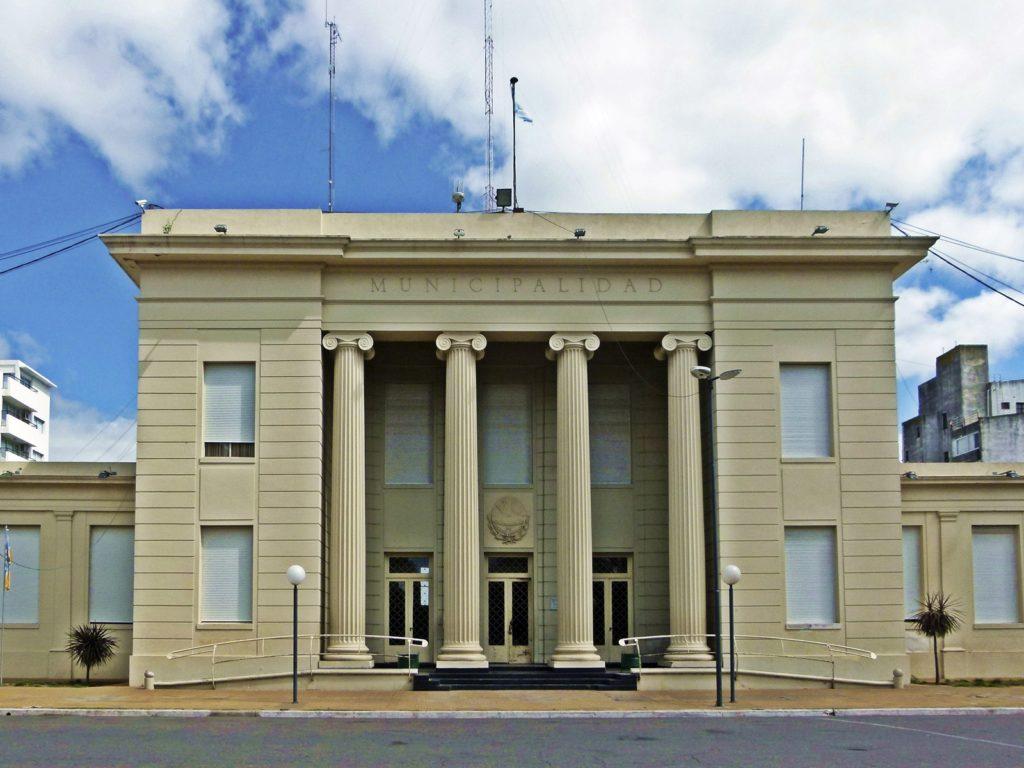El edificio neoclásico de la Municipalidad. (Foto: Susana Gioacchini)