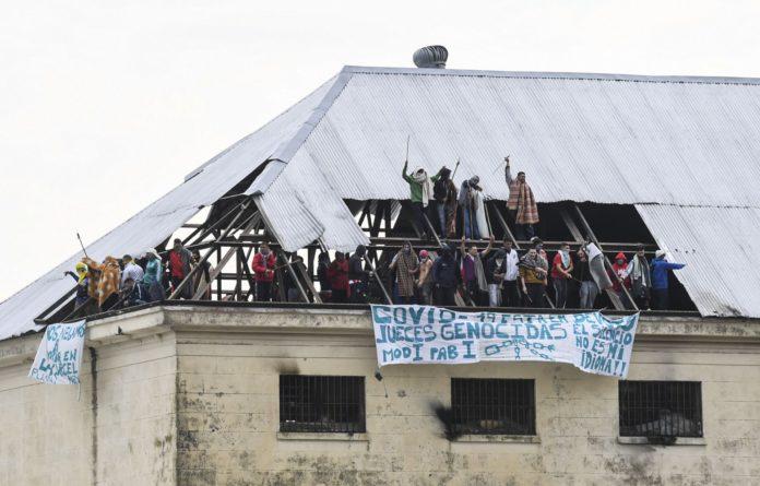 El motín en el penal de Villa Devoto encendió la mecha de la polémica con los presos.
