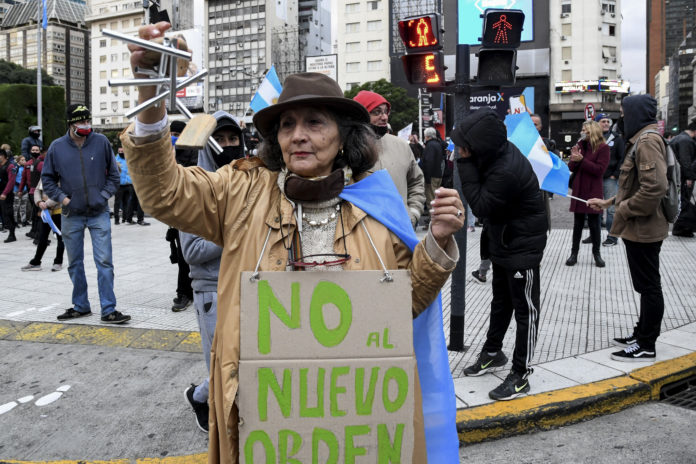 Manifestantes protestaron en el Obelisco y otros puntos contra la cuarentena