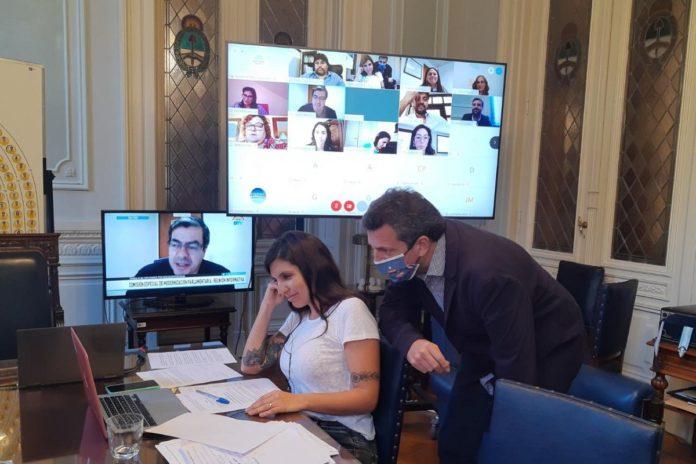 Daniela Vilar y Sergio Massa durante una reunión de la comisión de Modernización.