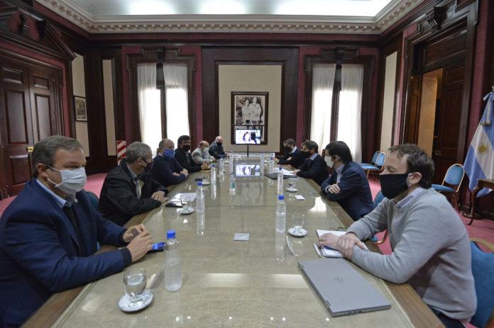 Kicillof confirmó más ayuda financiera a los intendentes del Conurbano