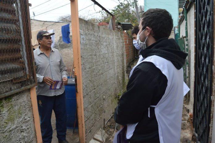 El gobernador defendió el cierre en Villa Azul y respondió a las críticas