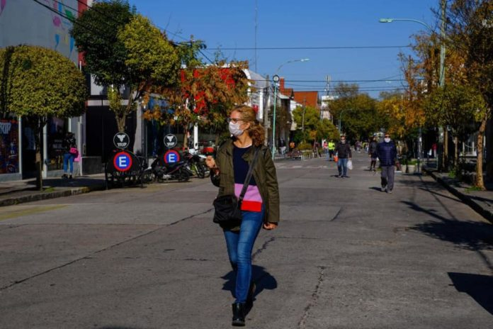 Reabren varios comercios en Salta y Jujuy