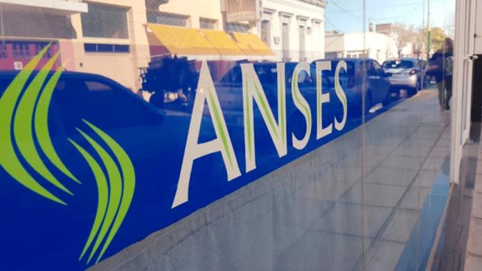 La Anses suspendió hasta el 30 de junio el cobro de sus créditos.