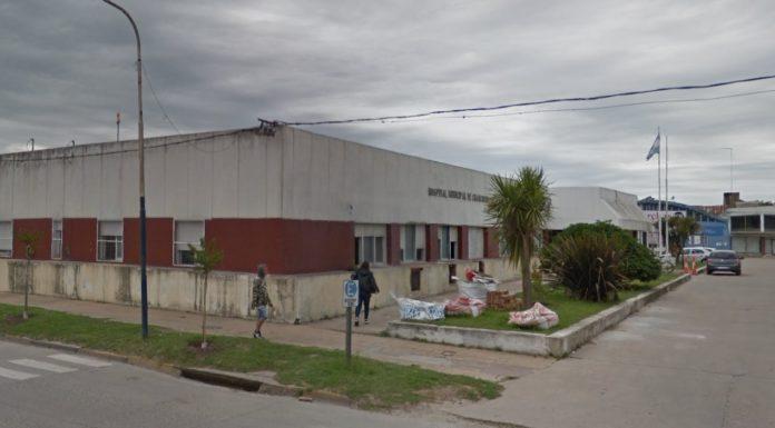 La mujer permanece internada en el Hospital Municipal de la ciudad.