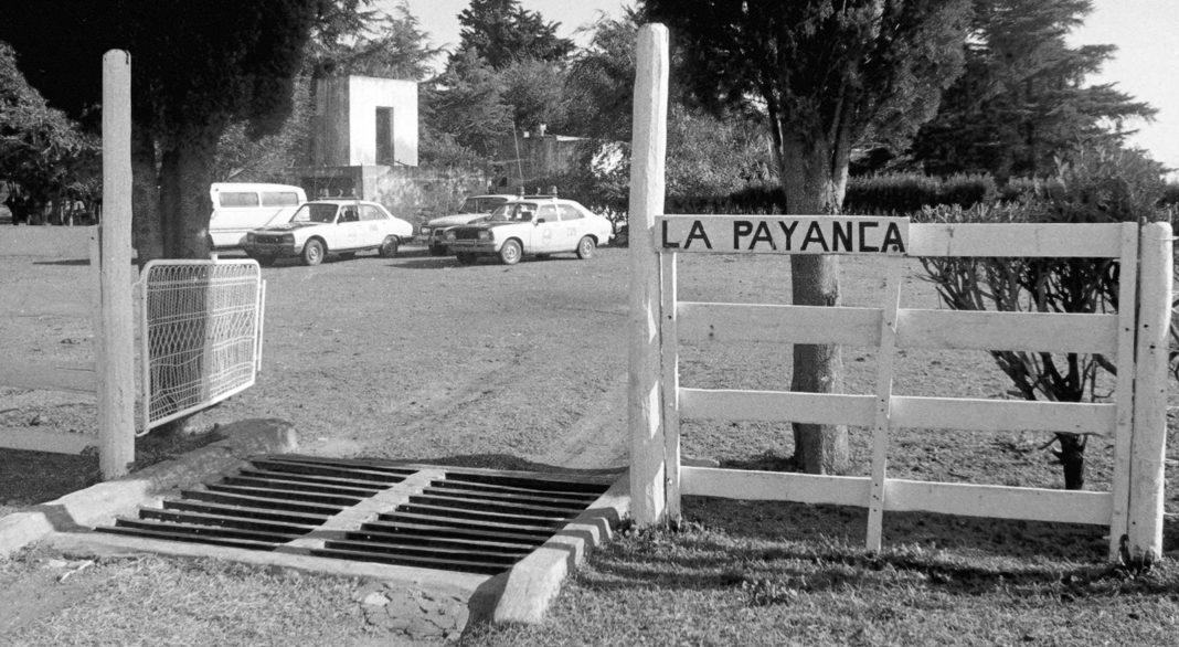 La tranquera de La Payanca, testigo mudo de un espantoso crimen múltiple. (Archivo)