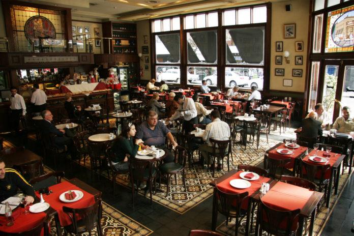 Provincia también permitirá abrir bares y restaurantes en interior