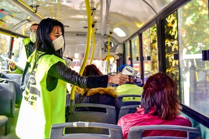 A partir de mañana caducan los permisos y solo podrán viajar en transporte público trabajadores esenciales