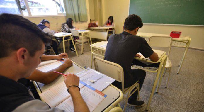 Aumenta la deserción en los colegios secundarios por efecto de la pandemia