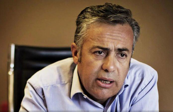 """La UCR llama a una cumbre """"urgente"""" para frenar la guerra interna en la oposición"""