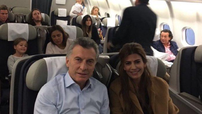 """Macri, """"varado"""" en Suiza y sin fecha de regreso porque su vuelo fue suspendido"""