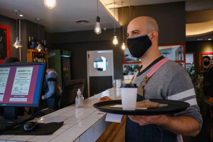 Los bares y cafés se encuentran abiertos también en Mar del Plata