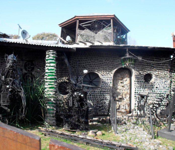 La Casa de las Botellas, un llamativo edificio en Quilmes.
