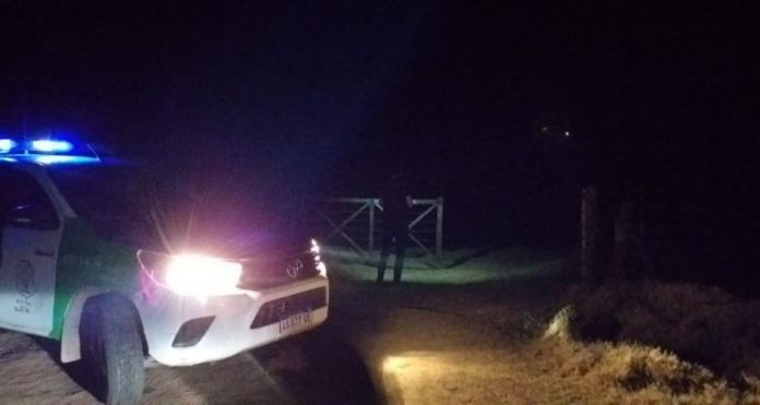 El joven es un policía de 27 años. Ocurrió en un establecimiento rural de la localidad de Alsina.