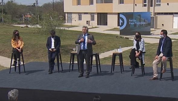 """Fernández: """"Millones de argentinos esperan el auxilio del Estado para tener una casa"""""""