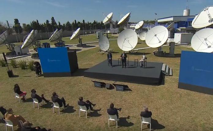 Lanzan plan de conectividad: fibra óptica, TV Digital y desarrollo satelital