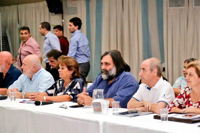 Provincia retoma las negociaciones salariales con los gremios docentes