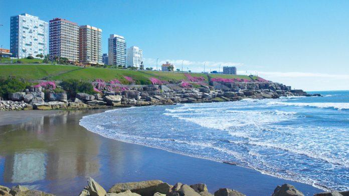 Provincia evalúa que la temporada de verano dure de diciembre a abril