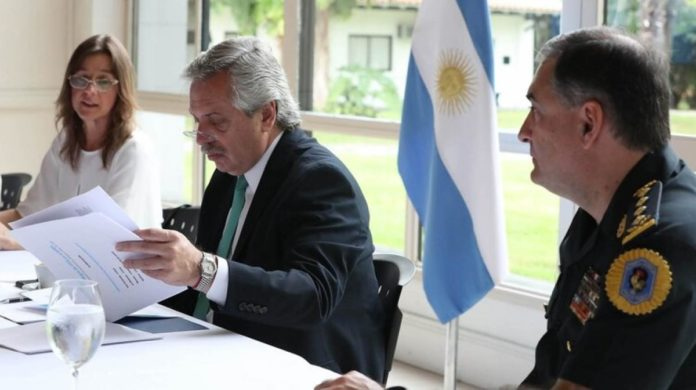 El presidente Alberto Fernández anunció una regularización en los salarios de las fuerzas de seguridad federales