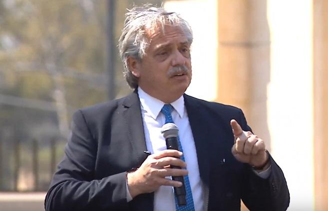 """Alberto Fernández pidió """"perseguir penalmente"""" a quienes generan incendios forestales"""