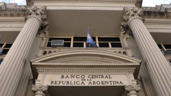 Récord: 4 millones de argentinos compraron dólares en mercado oficial
